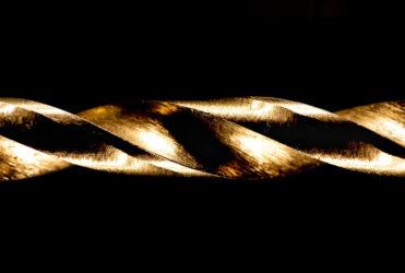 zbliżenie na wiertło do czego służą wiertła diamentowe